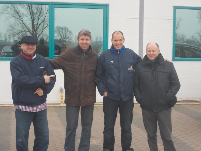 """Florea Sorin , Vincent van de Kerk , Jan Hooymans si Freddy Vandenheede in fata birourilor """"Hooymans Company"""""""